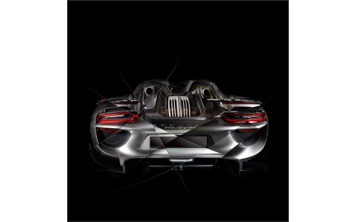 Art photography Porsche 918 back