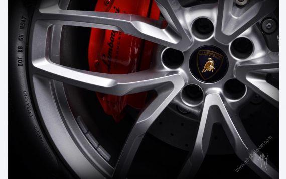 Lamborghini Huracan photo